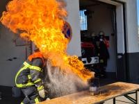 Fettexplosion beim Unterricht Brennen und Löschen